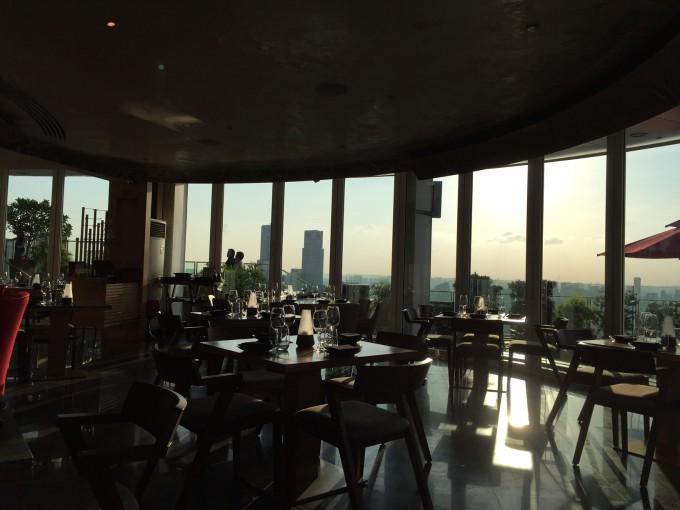 マリーナベイサンズの屋上レストラン「Ce La Vi」17時代